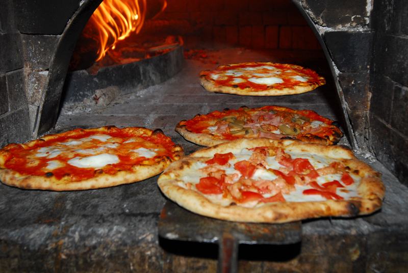 Pizza italienne authentique diff rents go ts et saveurs for Ville in italia